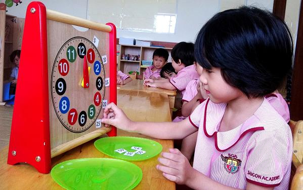 dạy trẻ xem đồng hồ