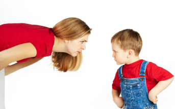 Khủng hoảng tuổi lên 3 của trẻ
