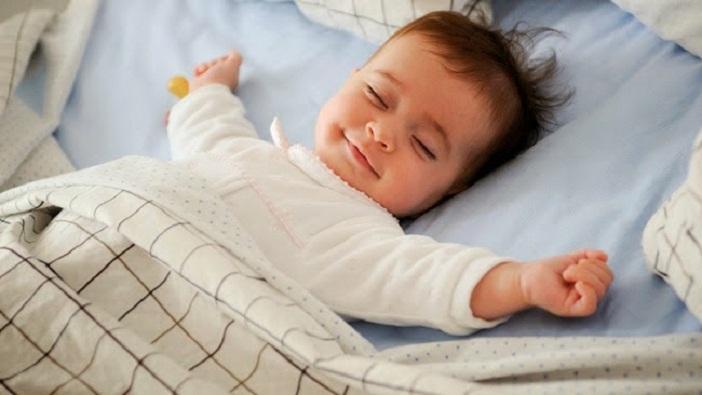 Hãy kiên nhẫn để tập cho bé tự ngủ thành công