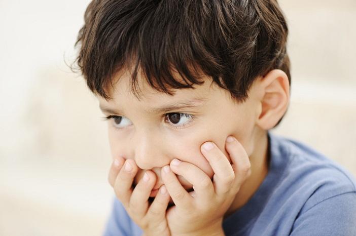 Hãy xem xét nguyên nhân trẻ nhút nhát
