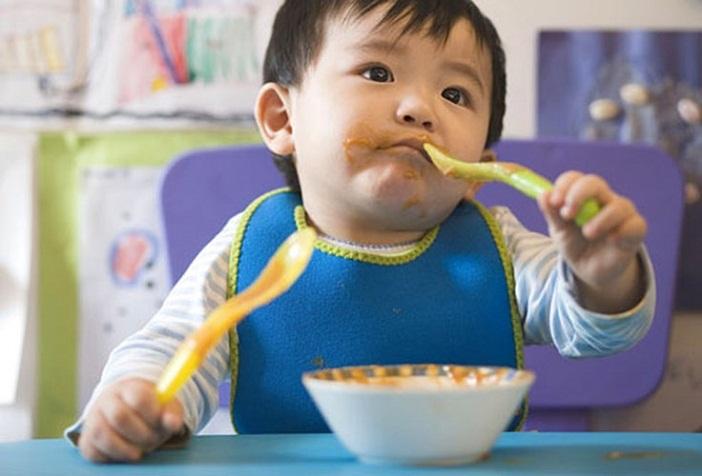 Những điều cần lưu ý giai đoạn ăn dặm kiểu Nhật 12 tháng cho bé