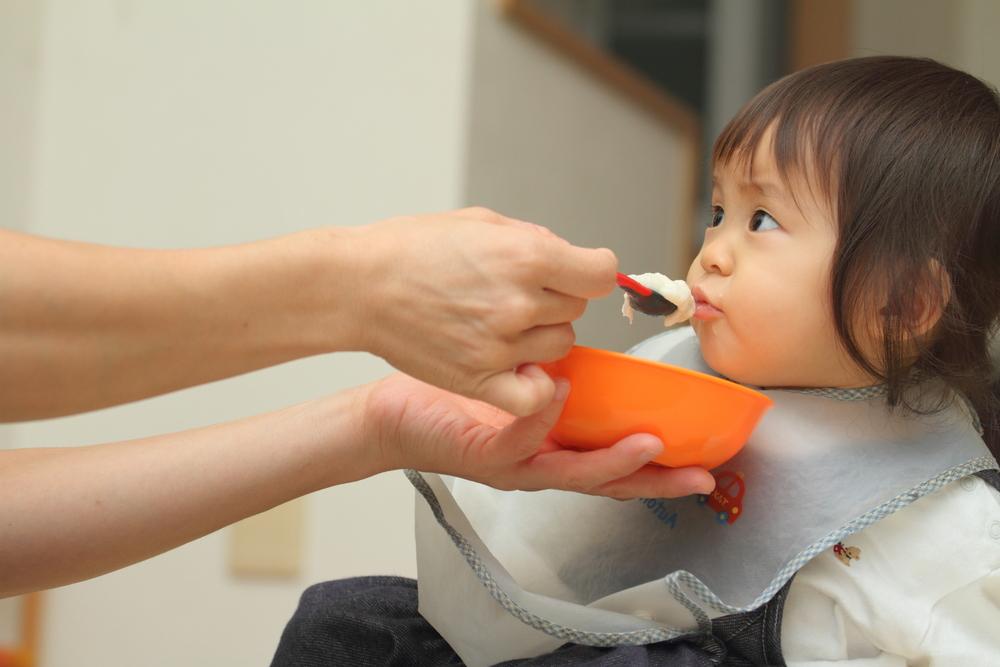 Phương pháp ăn dặm kiểu Nhật không ép bé, chỉ cho ăn theo nhu cầu