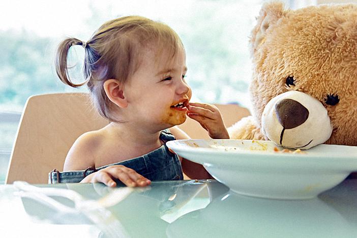 Bé dễ bị rối loạn tiêu hóa nếu ăn quá nhiều đạm