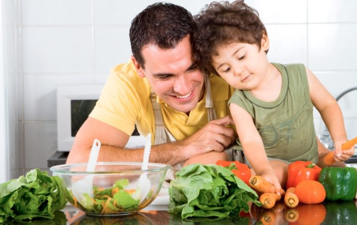 Hãy bổ sung canxi cho trẻ trong bữa ăn hằng ngày