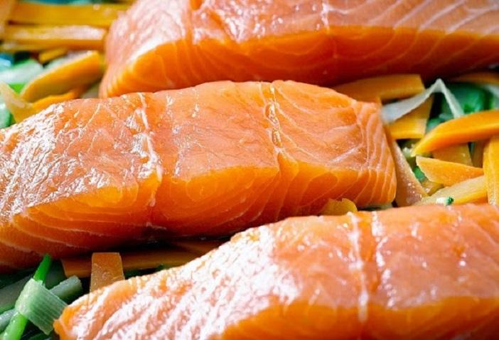 Cá hồi là thực phẩm tốt cho trẻ