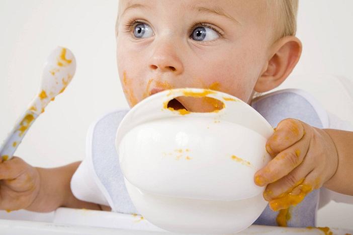 Tìm hiểu về cách cho trẻ ăn dặm và cho con ăn đúng cách giúp bé khỏe mạnh
