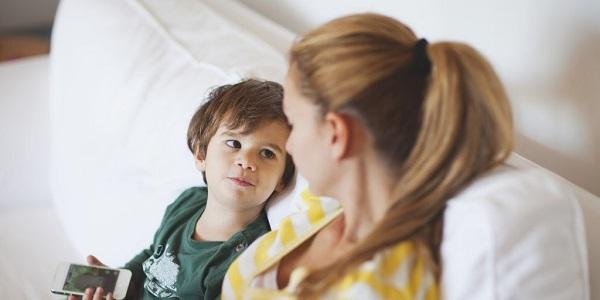 Cách đơn giản dạy bé không chen ngang