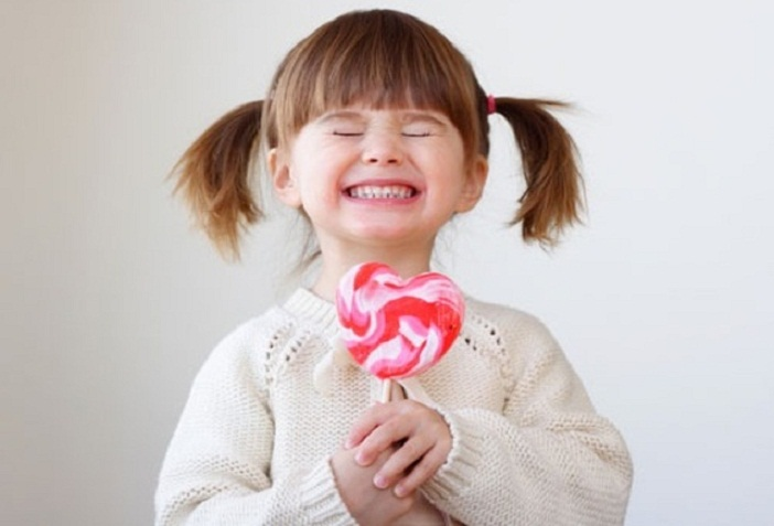 Ăn ngọt nhiều làm ảnh hưởng đến chiều cao của trẻ