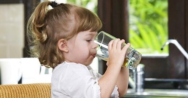 Nguyên nhân ngộ độc thực phẩm ở trẻ