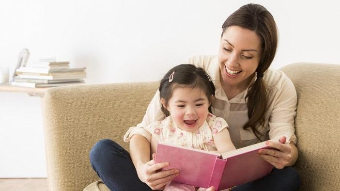 Dạy con biết đọc sớm là điều tốt cho bé