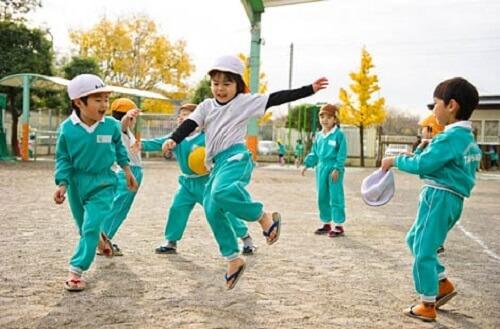 Dạy trẻ mầm non kiểu Nhật Bản