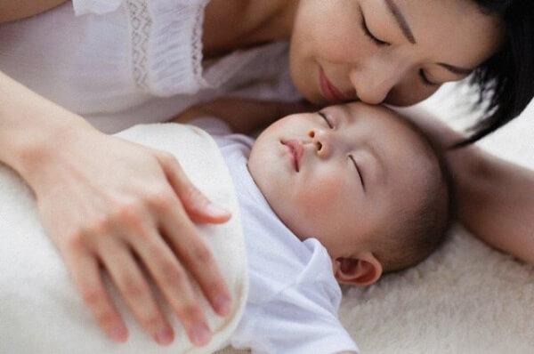 Trẻ không khóc khi ngủ