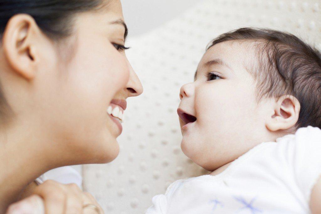Cách dạy trẻ sơ sinh thông minh ngôn ngữ từ sớm