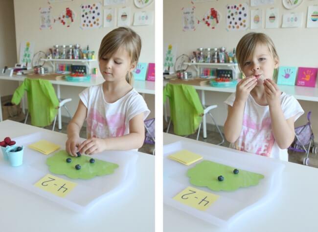 Dùng hoa quả sẽ giúp trẻ học toán cộng trừ hứng thú hơn rất nhiều