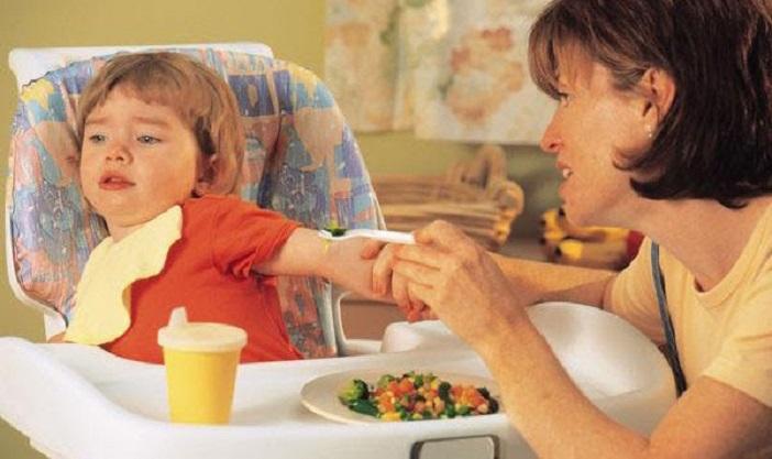 Cùng mẹ khắc phục trẻ biếng ăn