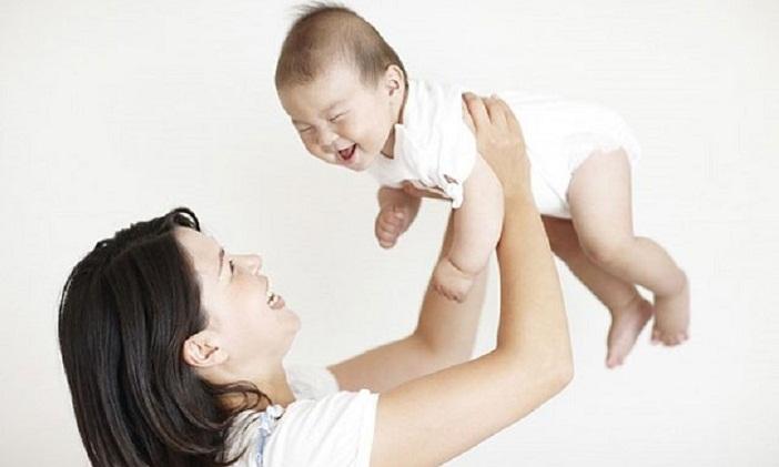 Rung lắc trẻ nhỏ dưới 2 tuổi là điều không nên
