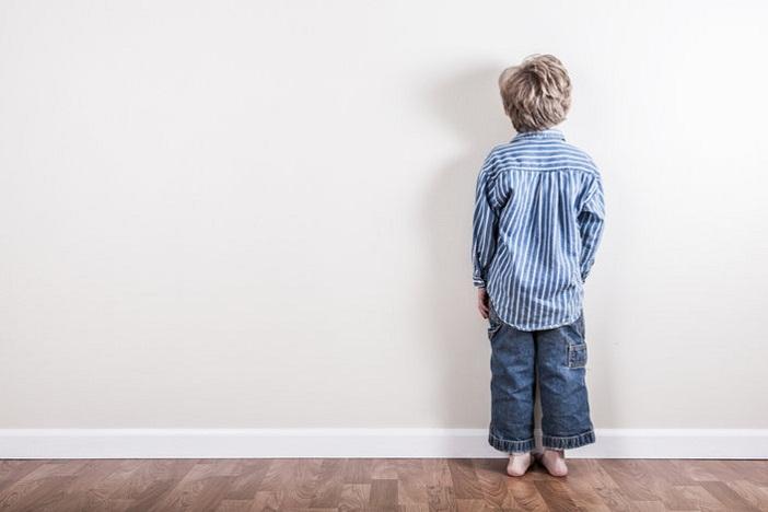 Có thể dùng hình thức time-out để kỷ luật con