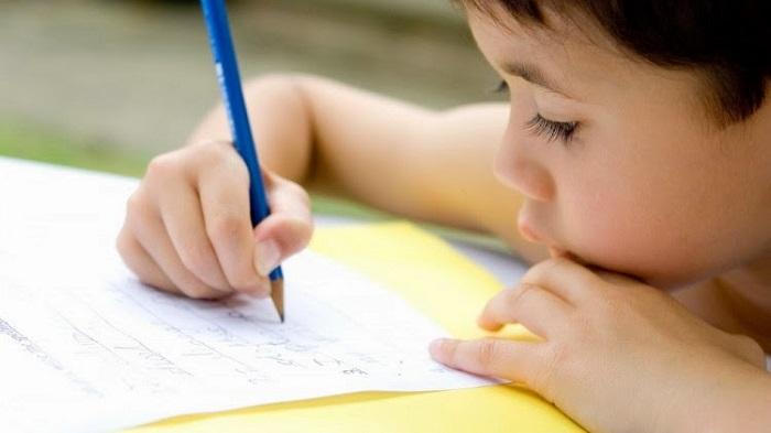 Sai lầm kinh điển ba mẹ thường mắc phải khi dạy con