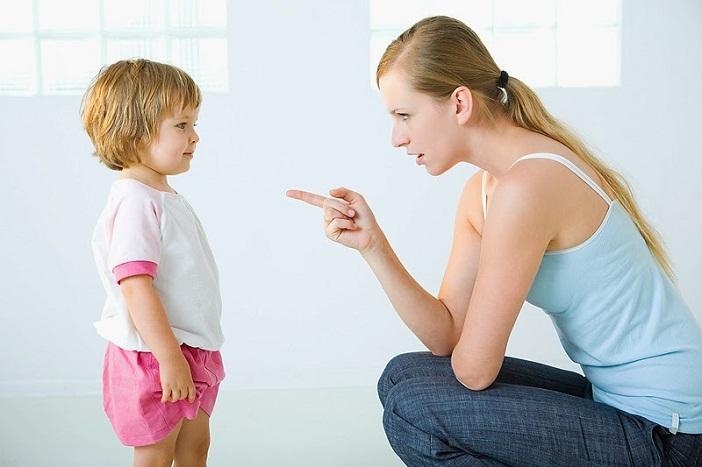 Ứng xử với con đúng cách để nuôi dạy con ngoan