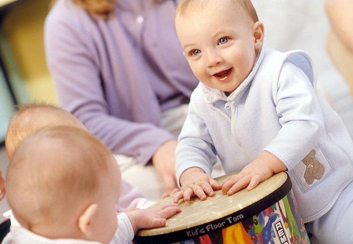 Phụ huynh cần biết các phương pháp nuôi dạy con sớm