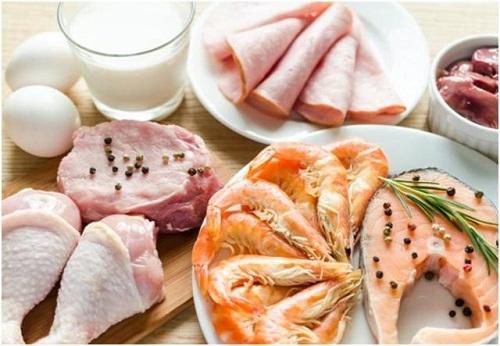 Dinh dưỡng sai lầm khiến bé thấp còi