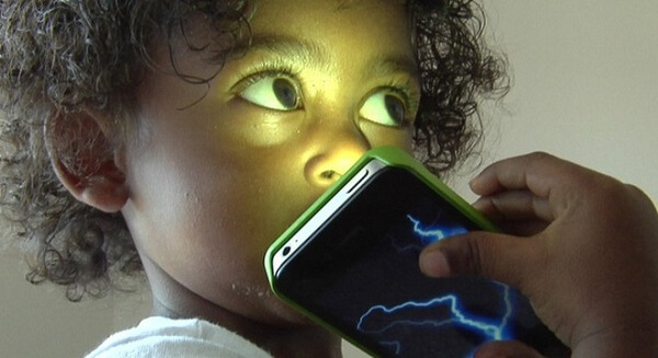 Tác động của điện thoại lên trẻ em