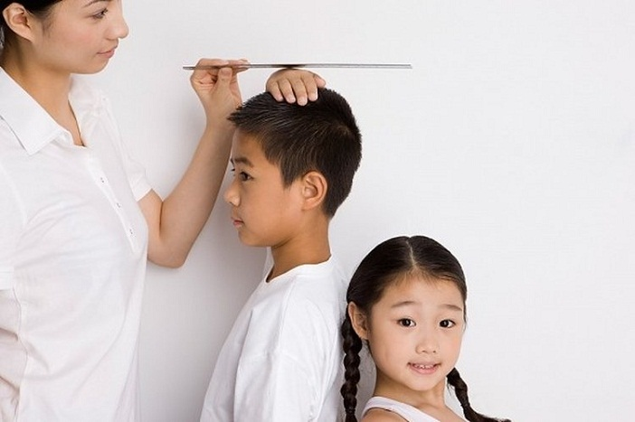 Bố mẹ không cao vẫn có thể tăng chiều cao cho trẻ