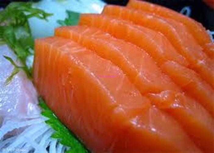 Thức ăn dinh dưỡng cho trẻ và cá nước lạnh