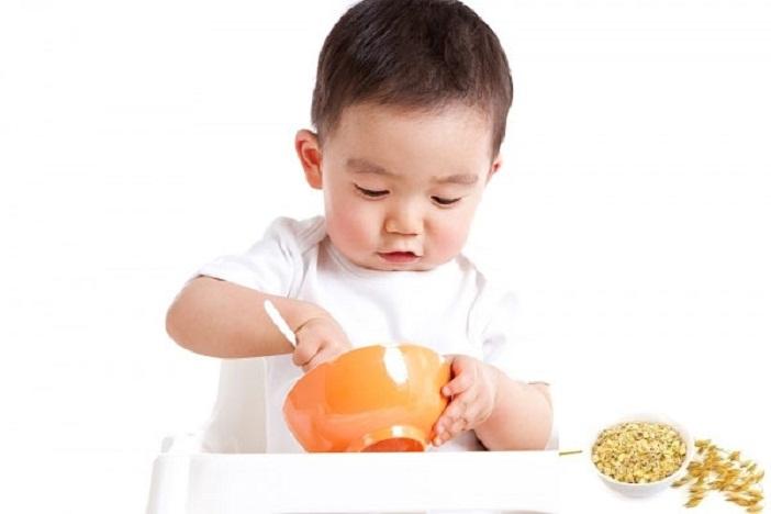 Bố mẹ cần chăm sóc dinh dưỡng đúng cách để tăng chiều cao cho trẻ