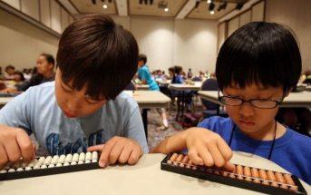 Bài tập toán Soroban, trẻ phải tập trung chú ý và vận dụngcác con số