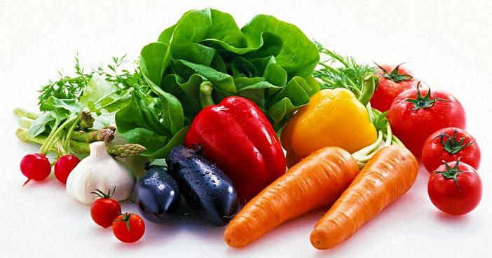 Rau tươi có nhiều vitamin C cho bé hơn