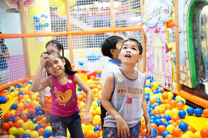 review khu vui chơi trẻ em tini world