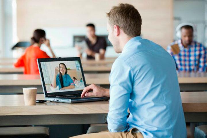 học cùng giáo viên qua skype