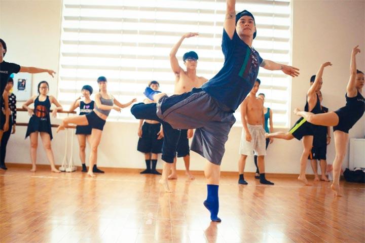 lớp học nhảy hiện đại flypro
