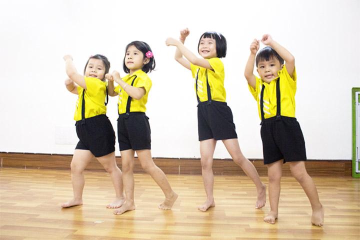 lớp học nhảy hiện đại kids art music saigon