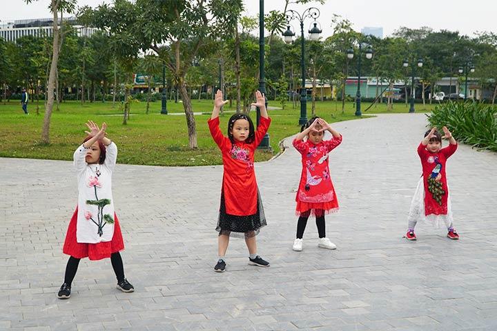lớp học nhảy hiện đại kidstars