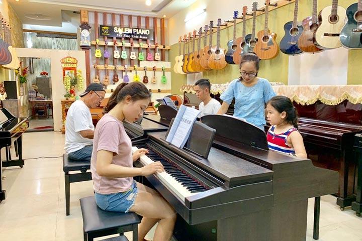 lớp học piano salem