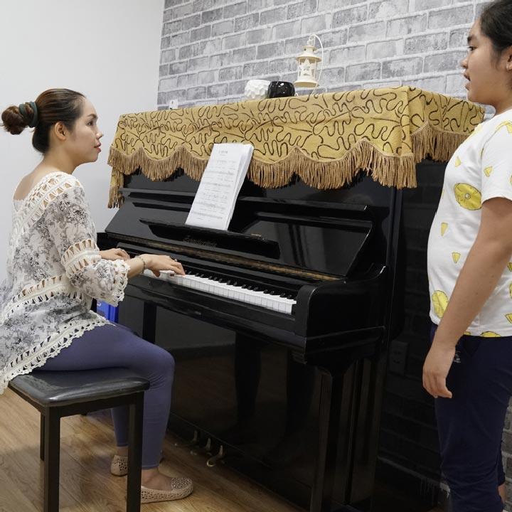 lớp học piano việt thương music đà nẵng