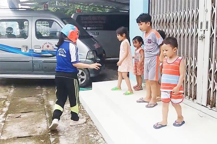 trò chơi tuổi thơ cá sấu lên bờ