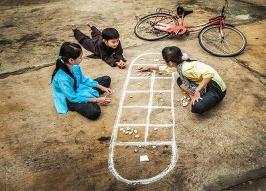 TOP 20 trò chơi dân gian trẻ em HAY và Ý NGHĨA