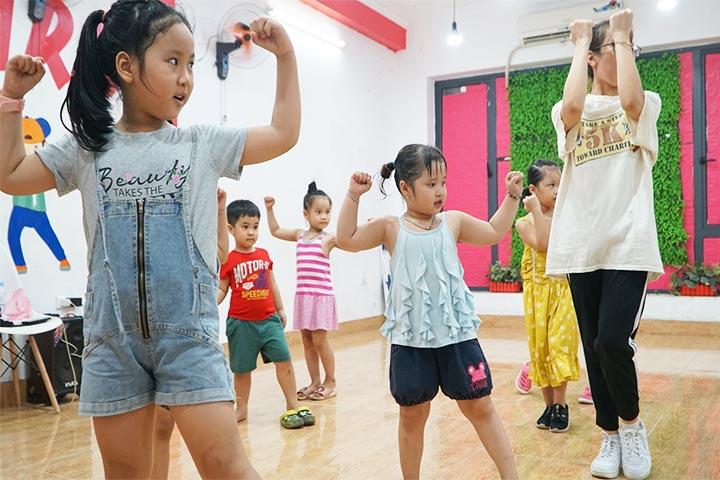 trung tâm dạy nhảy kidstars