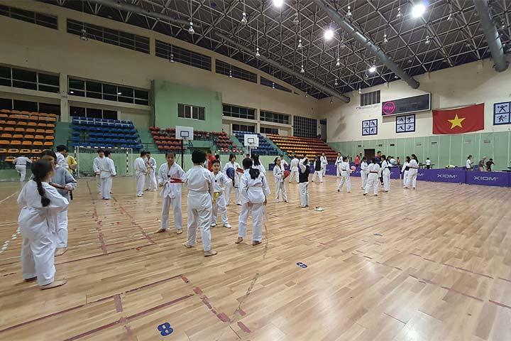 lớp dạy võ taekwondo hai bà trưng