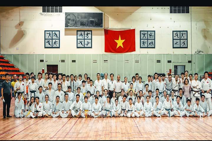 lớp học võ karate hà nội bách khoa