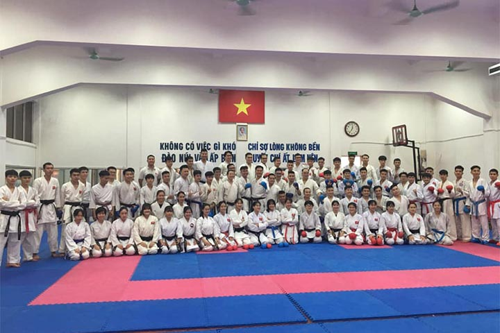 lớp học võ karate hà nội trường xuân
