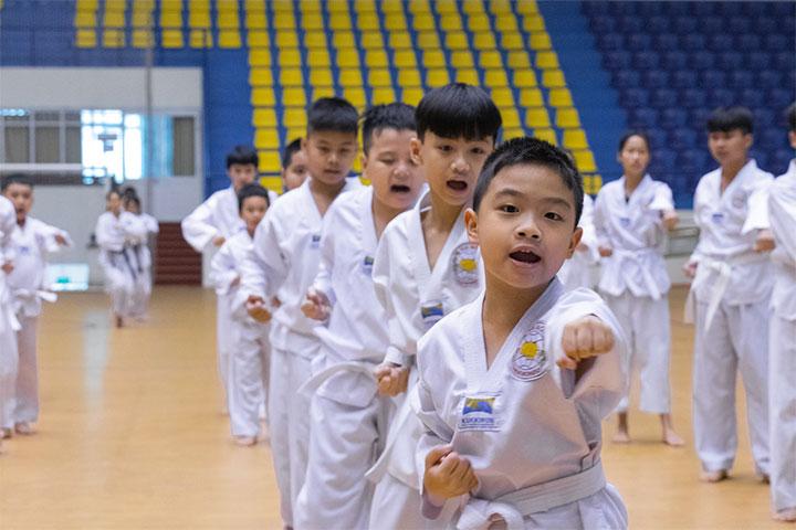 lop học võ taekwondo ba đình