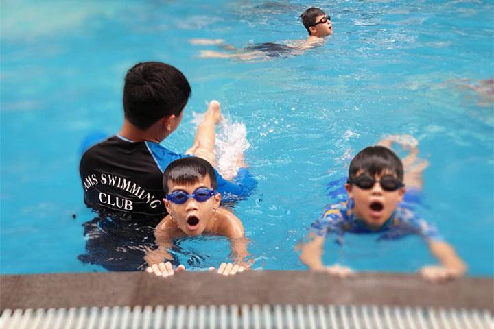 lớp học bơi hà nội ams swimming club