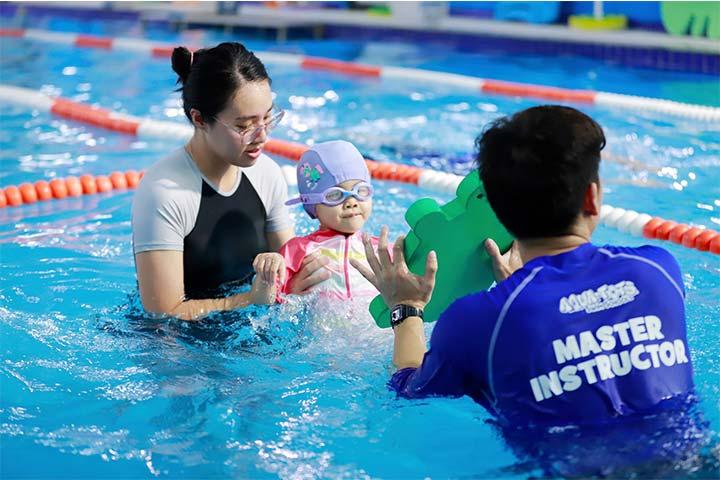 lớp học bơi hà nội aqua tots