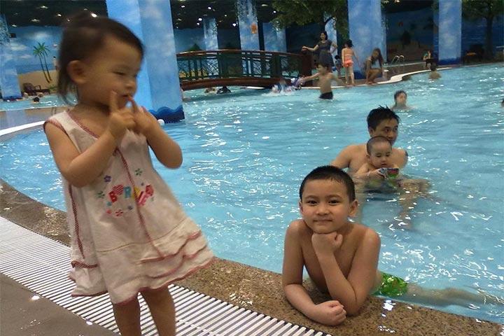 lớp học bơi hà nội bốn mùa times city