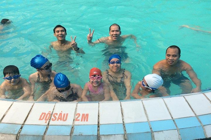 lớp học bơi hà nội thầy tâm