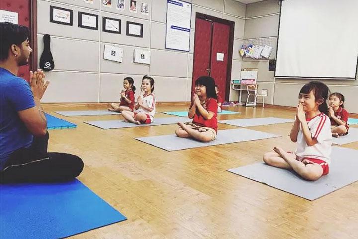 review yoga anmol hà nội